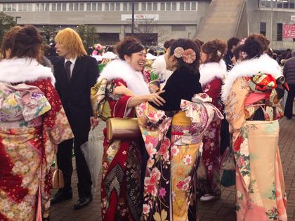 ホームズスタジアムで成人式|神戸市兵庫区