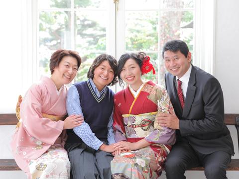 成人式で家族写真をキレイに残すえり正