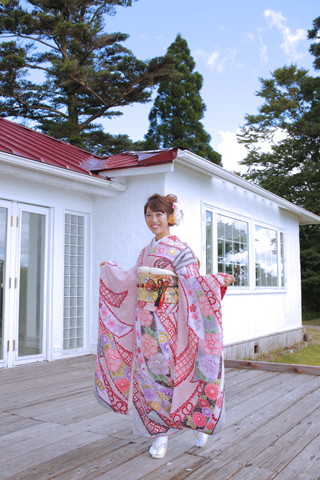 pink-kimono.jpg