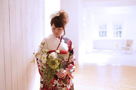 白と赤の振袖|親しみやすい呉服屋さんでした|神戸市北区