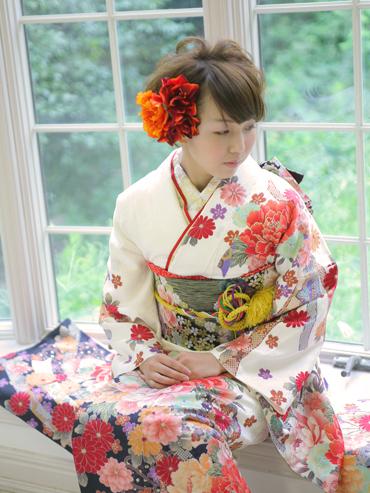 白の振袖|美しい京友禅の振袖