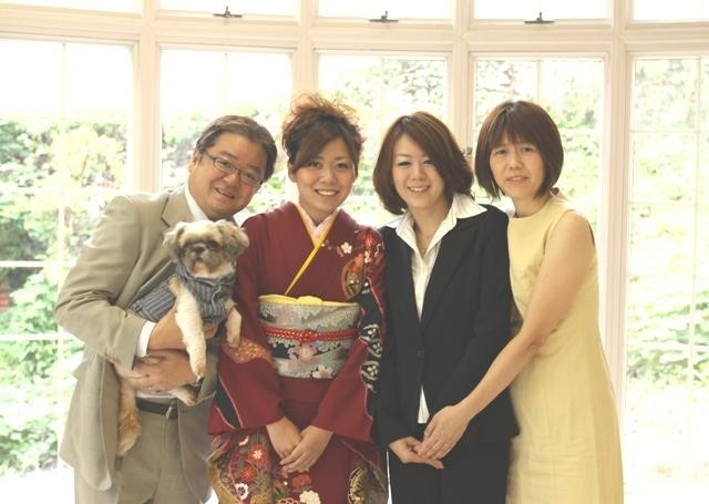振袖で家族写真