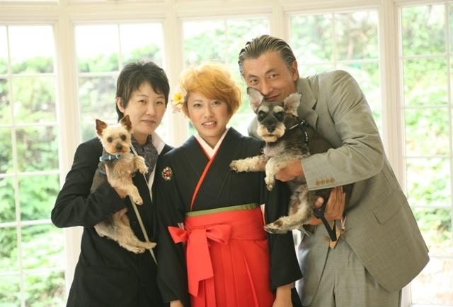 振袖と家族とペット